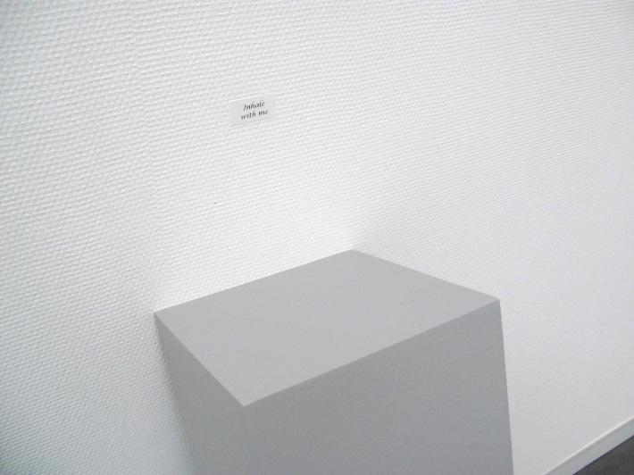 Deal with me   Karin van Pinxteren   pedestal + stamp   Museum De Pont
