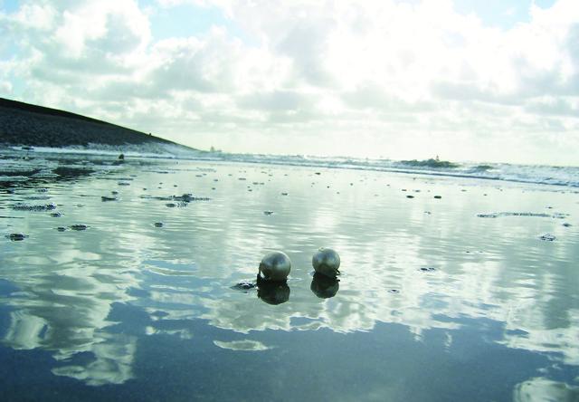 Existential Interior #3 'Waltz with me' | Karin van Pinxteren | 2007 | photo 'Waltz with me'