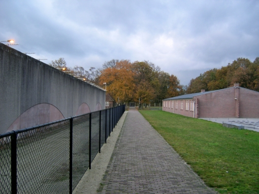 fence between the prison and the national monument